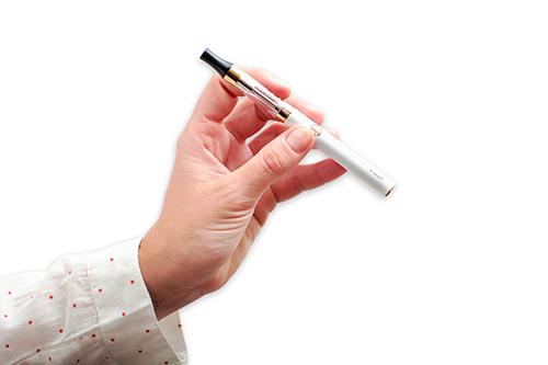 cigarette lectronique une solution efficace pour arr ter de fumer informations tests et. Black Bedroom Furniture Sets. Home Design Ideas
